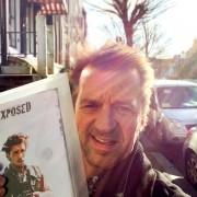 Sander Veeneman met zijn synopsis van Exposed